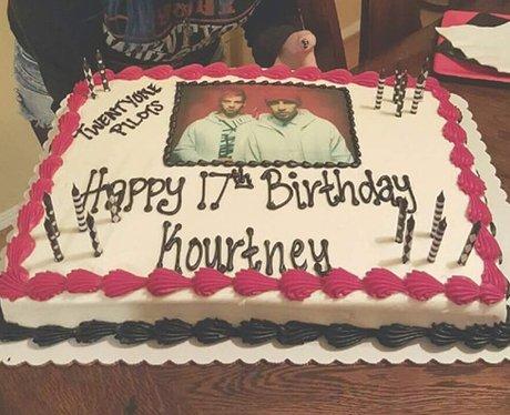 Facebook cake 5